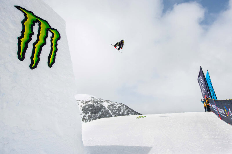 Dylan Thomas and  Yuka Fujimori win Grandvalira Total Fight snowboard